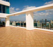 Retractable-rooftop-patio-deck-mezzanine